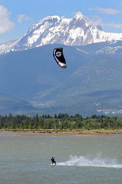 Kite Surfing The Spit In Squamish B.c Canada Print by Pierre Leclerc Photography