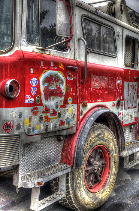 Ladder Truck 152 - In Remembrance Of 9-11 Print by Eddie Yerkish