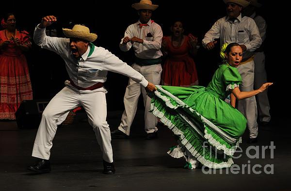 Lorenz Latin Dance 44
