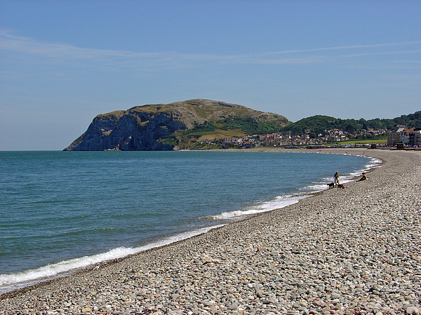 Llandudno Beach Print by Rod Johnson