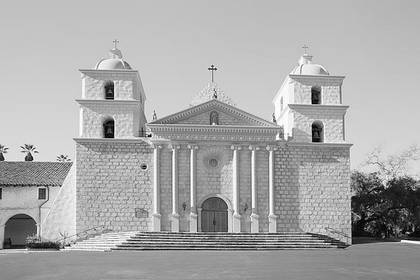 Mission santa barbara monochrome black and white 2 by for Case in stile missione santa barbara