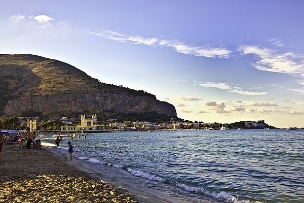 Madeline Ellis - On Mondello Beach