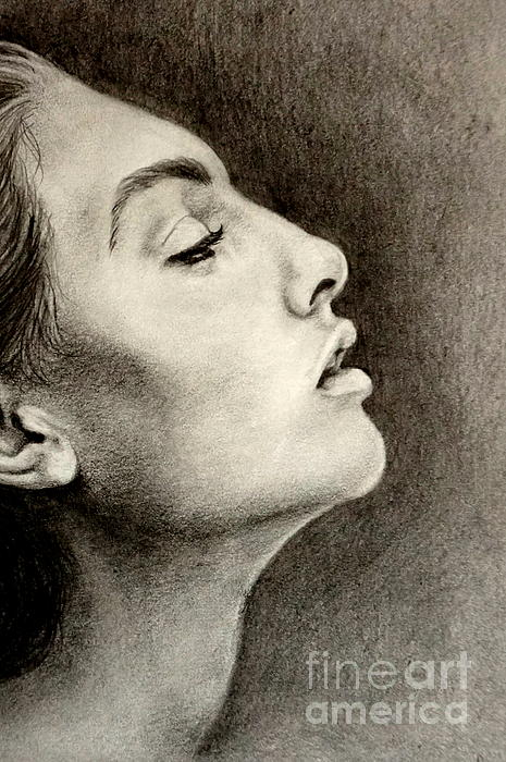 Georgia Brushhandle - Profile of a Girl close up