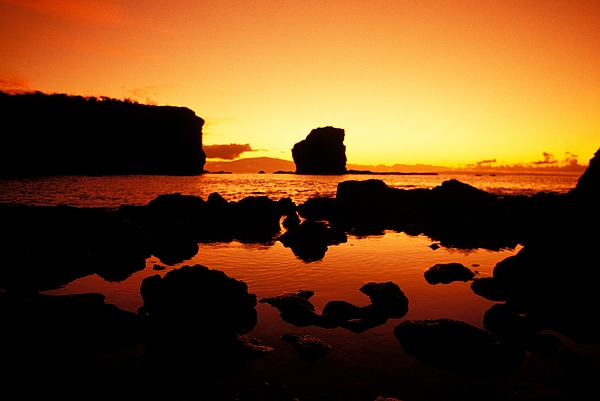 Sunrise At Puu Pehe Print by Ron Dahlquist - Printscapes