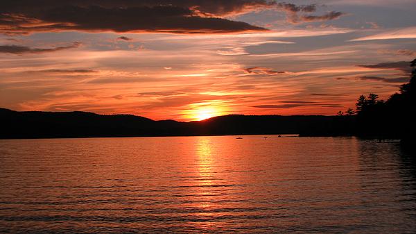 Sunset-lake Waukewan 1 Print by Michael Mooney