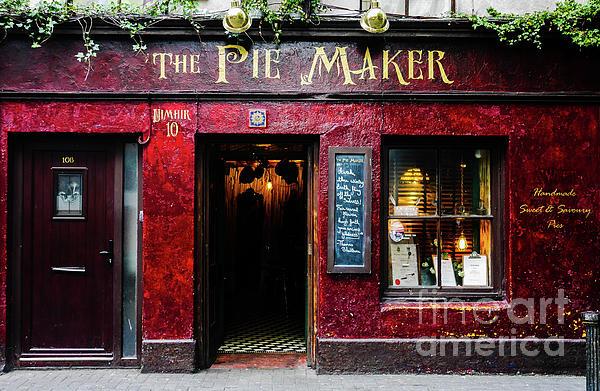 Lexa Harpell - The Pie Maker