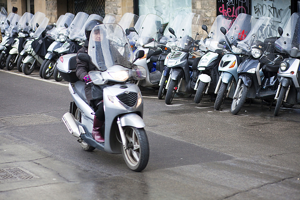 Vespa In Florence Print by Andre Goncalves