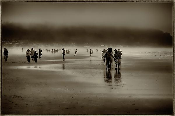 Vintage Beach Walk Print by David Patterson