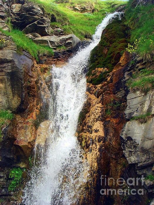 Jasna Dragun - Waterfall