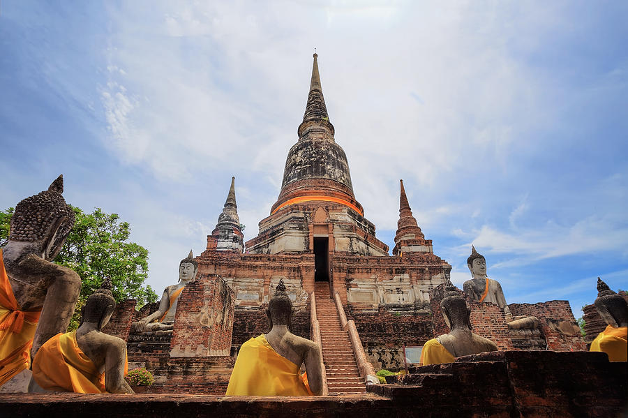 Wat Yai Chai Mongkol At Ayutthaya Photograph by Anek ...