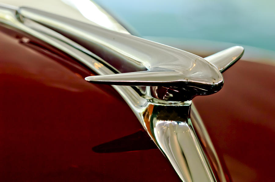 1938 Lincoln Zephyr Photograph - 1938 Lincoln Zephyr Hood Ornament by Jill Reger