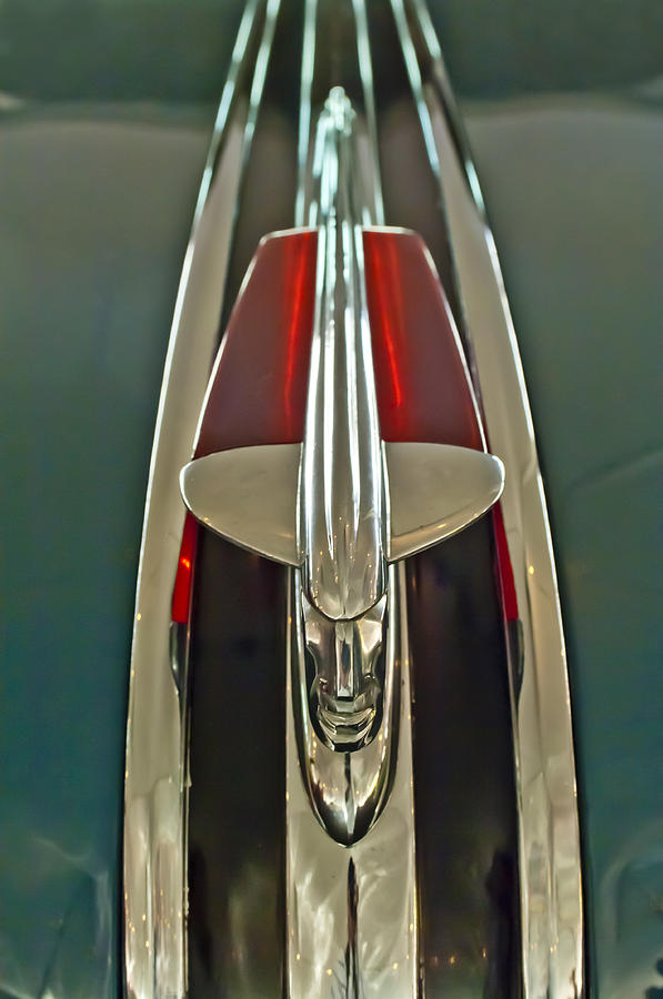1948 Pontaic Streamliner Woody Wagon Photograph - 1948 Pontiac Chief Hood Ornament by Jill Reger