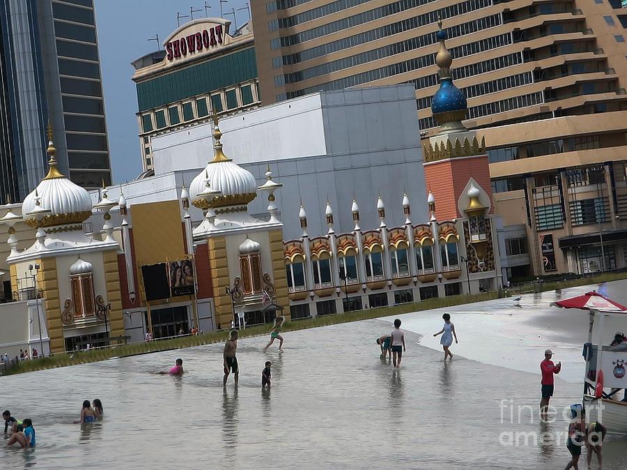 Atlantic city hotels board walks beaches entertainment for Americas best paint