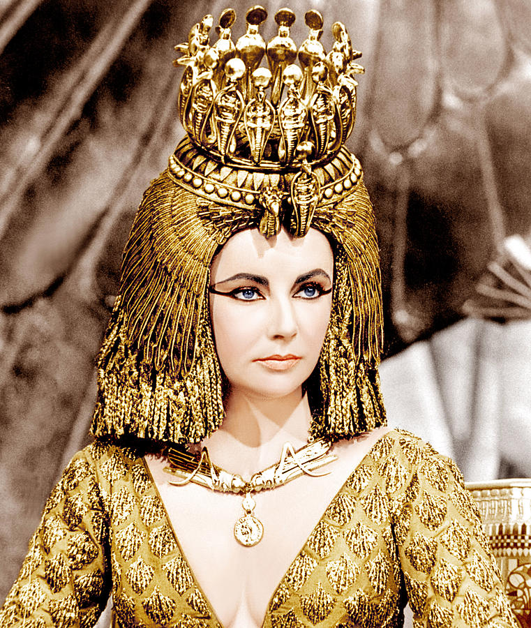 1960s Portraits Photograph - Cleopatra, Elizabeth Taylor, 1963 by Everett