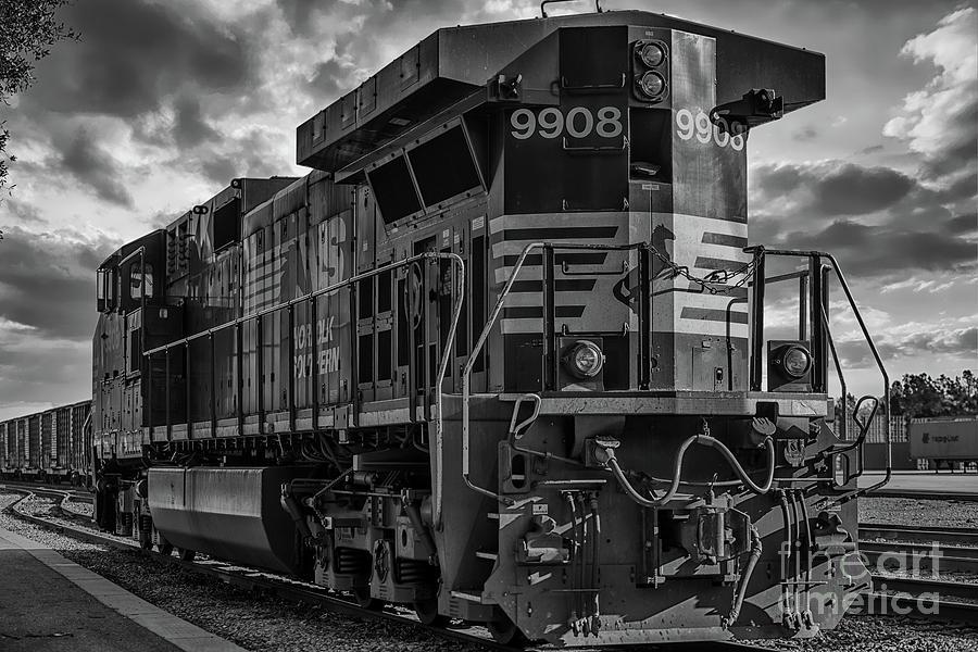 Engine 9908 Photograph
