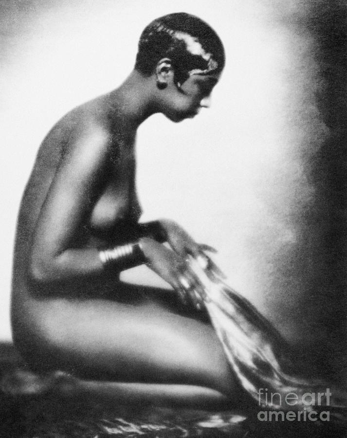 1929 Painting - Josephine Baker (1906-1975) by Granger