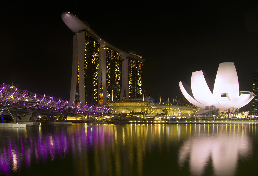 Singapore Photograph - Marina Bay Sands Hotel And Artscience Museum In Singapore by Zoe Ferrie