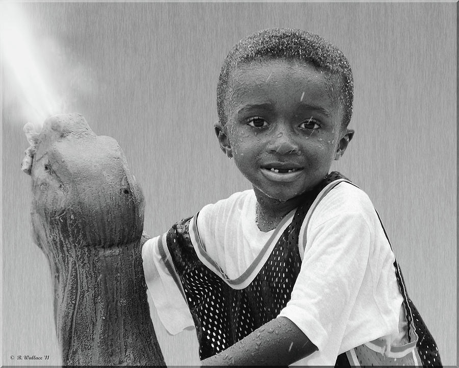 2d Photograph - Philly Fountain Kid by Brian Wallace