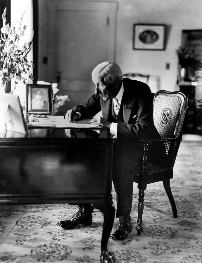 Desk Photograph - Rockefeller, John D. Sr by Everett