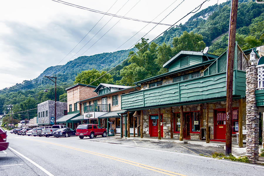 Small Chimney Rock Town Near Lake Lure In North Carolina
