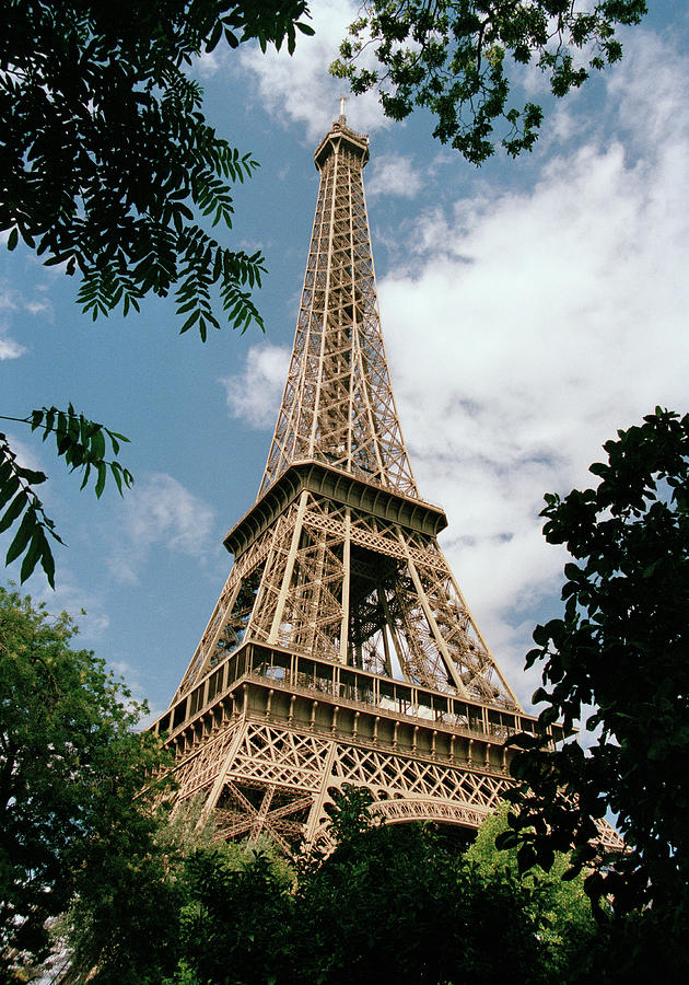 Vertical Photograph - The Eiffel Tower, Paris by Martin Diebel