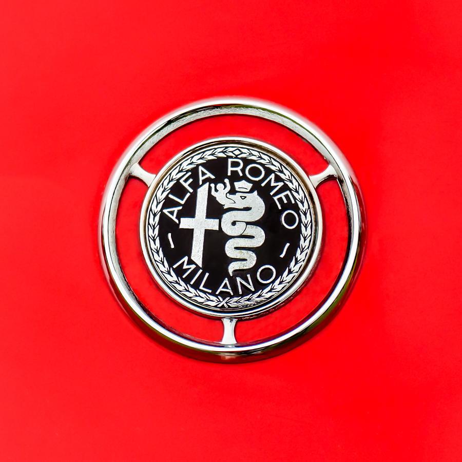 1959 Alfa-romeo Logos Photograph - 1959 Alfa-romeo Giulietta Sprint Emblem by Jill Reger
