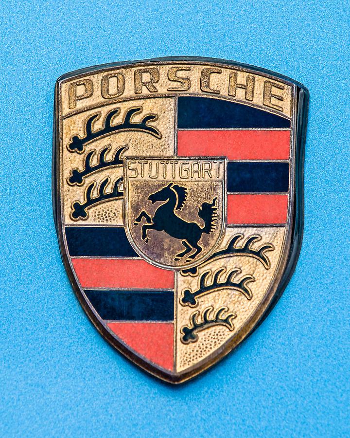 1972 Porsche 911s Emblem Photograph - 1972 Porsche 911s Emblem - 0584c45 by Jill Reger