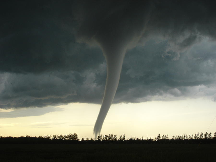 F5 Tornado In Manitoba Photograph by Justin Hobson