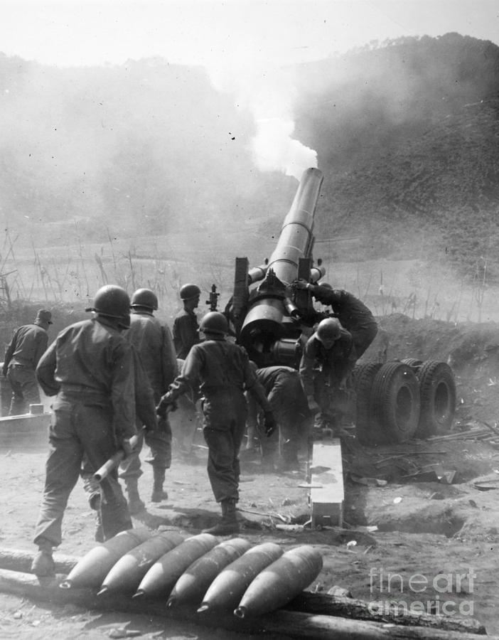 1951 Photograph - Korean War: Artillery by Granger