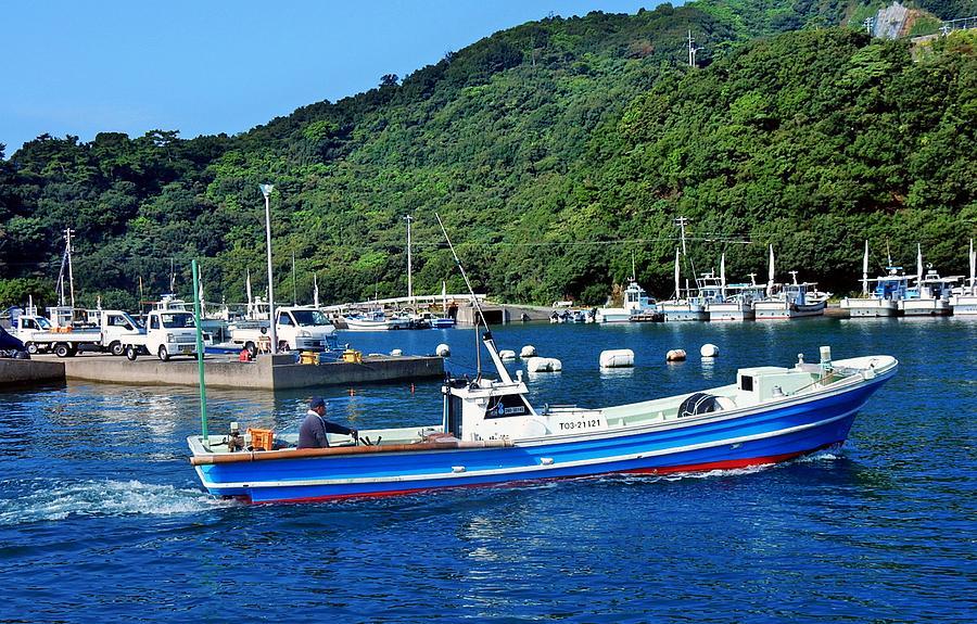 Fishing boats japan photograph by clement tsang for Japanese fishing boat