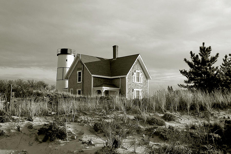 Sandy Neck Photograph - Sandy Neck Lighthouse by Charles Harden