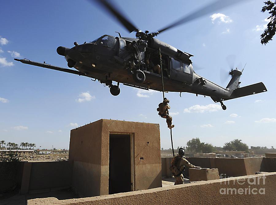 Pararescue Photograph - A U.s. Air Force Pararescuemen Fast by Stocktrek Images
