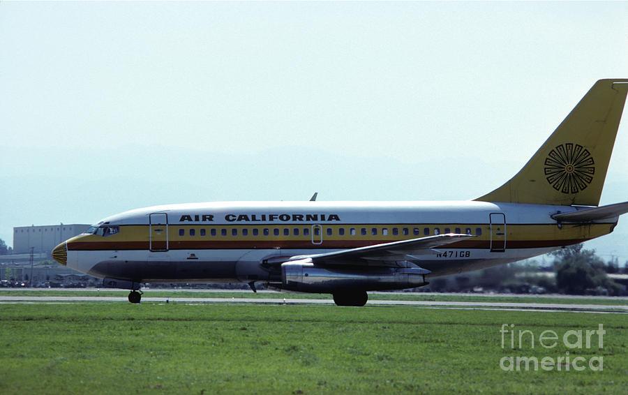 Air California 737 At San Jose Photograph