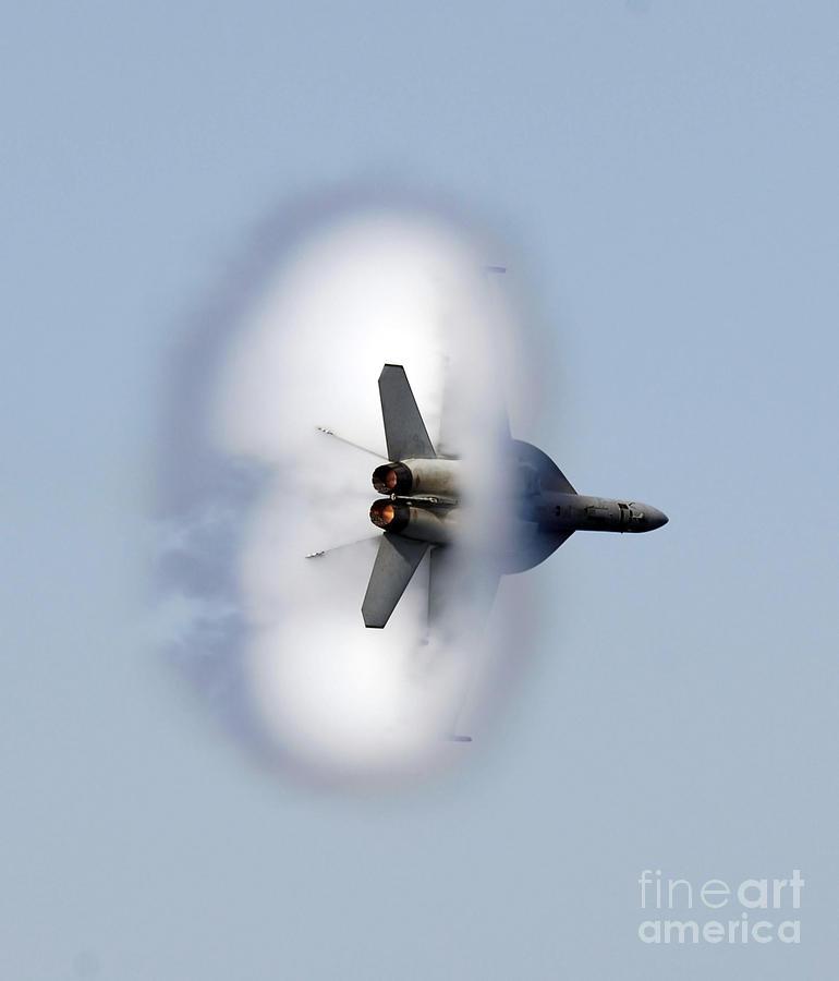 An Fa-18f Super Hornet Completes Photograph