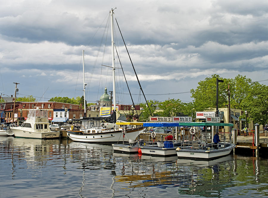 Ego Alley Photograph - Annapolis Maryland City Dock Ego Alley by Brendan Reals