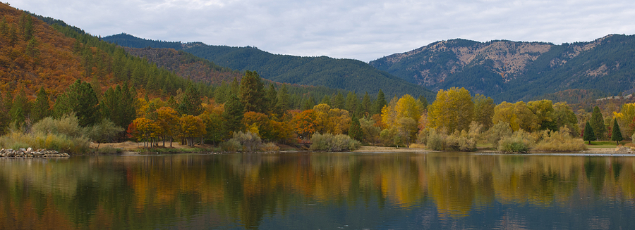 Loree Johnson Photograph - Autumn Panorama by Loree Johnson