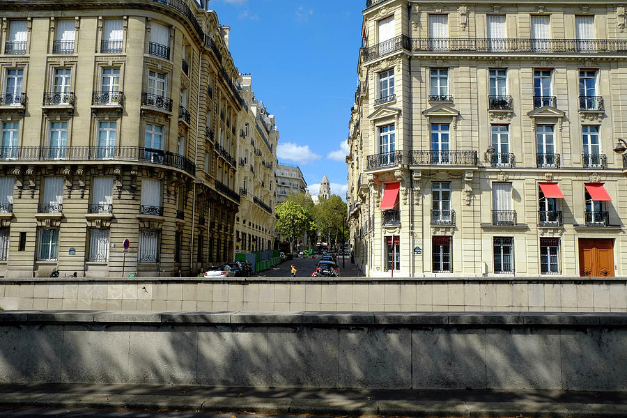 Avenue New York Paris Photograph