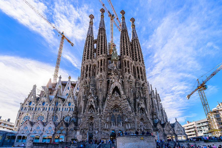 Related keywords suggestions for la sagrada familia for La sagrada familia church