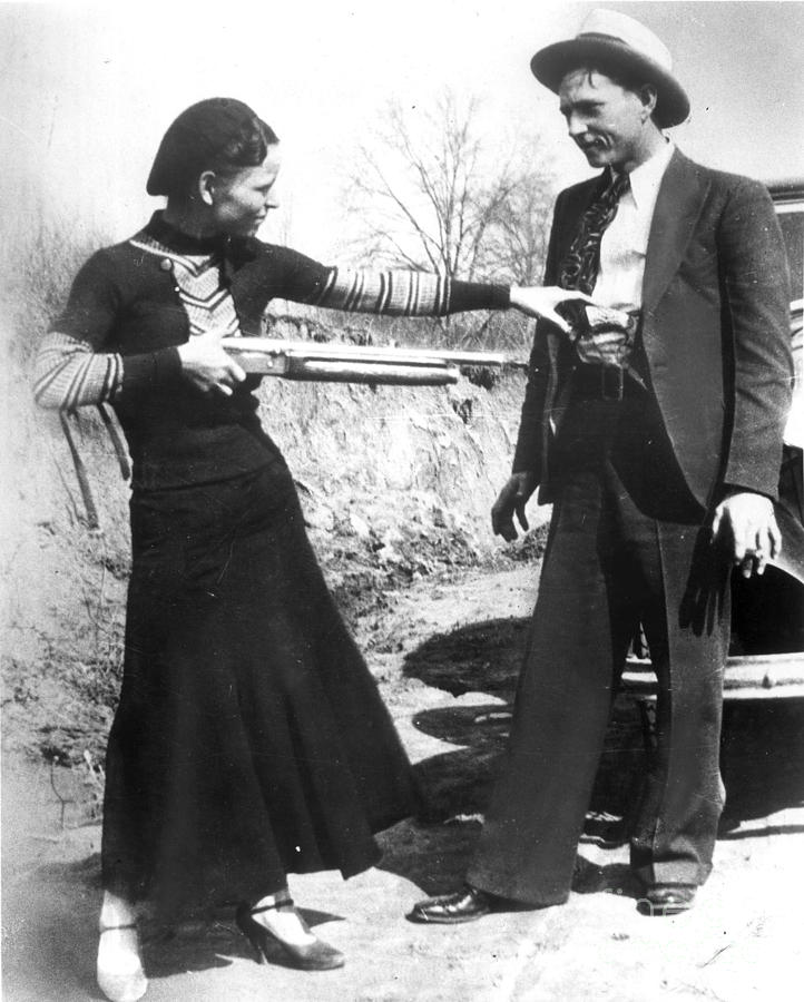 1933 Photograph - Bonnie And Clyde, 1933 by Granger