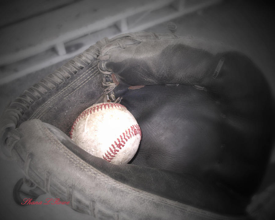 Sports Photograph - Catch Me by Shana Rowe Jackson