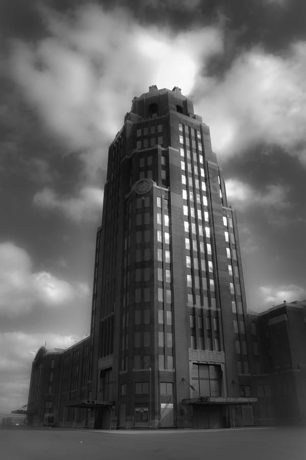 Buffalo Photograph - Central Terminal by Chuck Alaimo