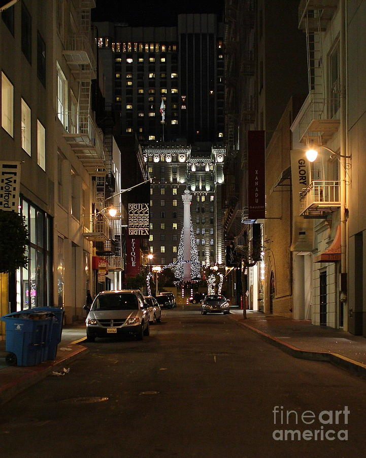 Cityscape Photograph - Christmas Eve 2009 On Maiden Lane by Wingsdomain Art and Photography