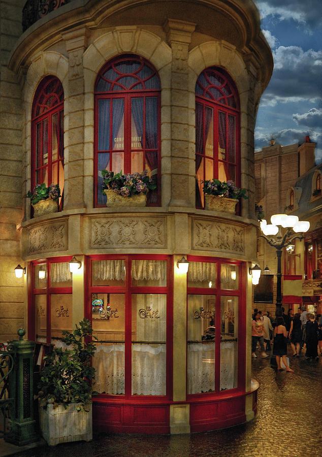 Savad Photograph - City - Vegas - Paris - Le Cafe by Mike Savad