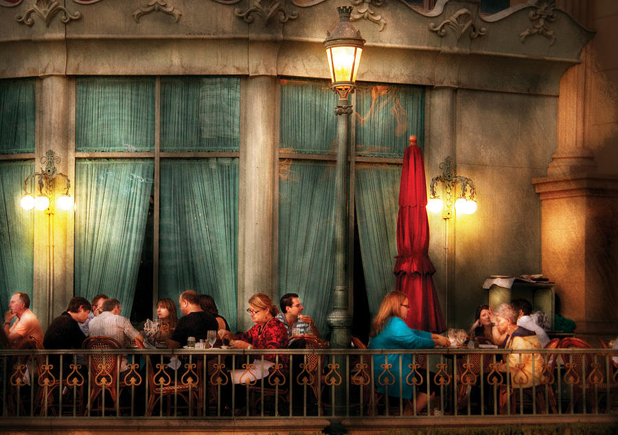 Savad Photograph - City - Vegas - Paris - The Outdoor Cafe  by Mike Savad