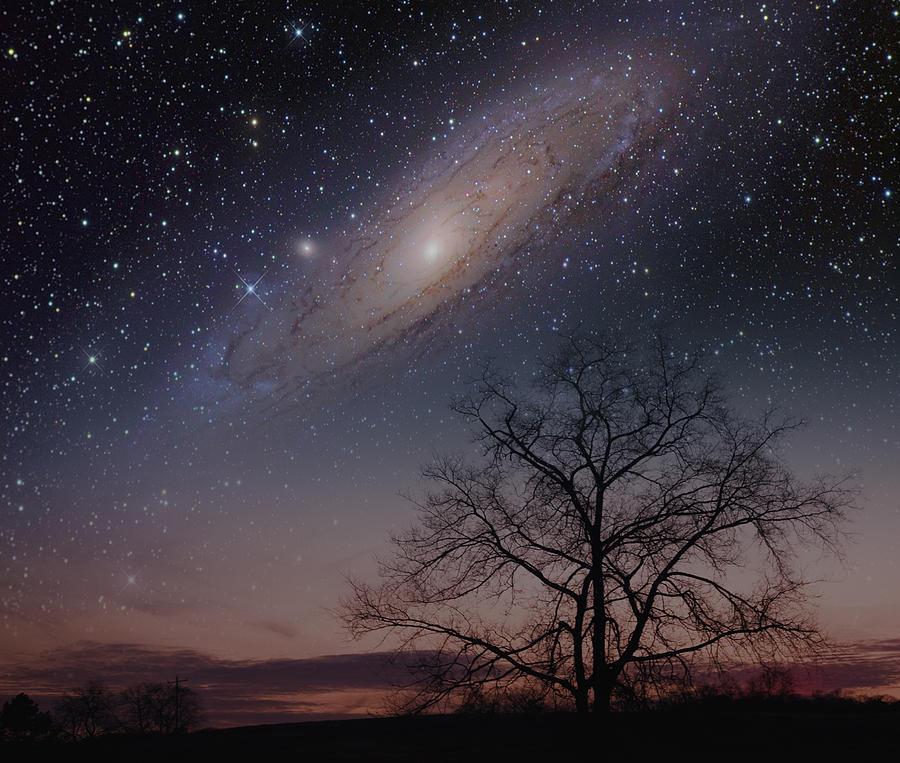 Androméda galaxis az egész égen