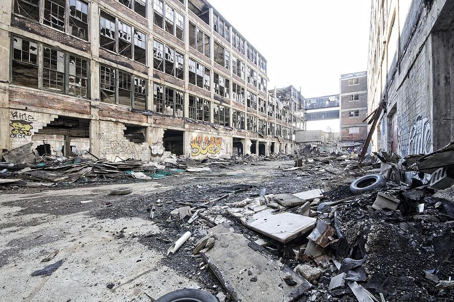 Detroit Abandoned Buildings Photograph - Detroit Abandoned Buildings by Joe Gee