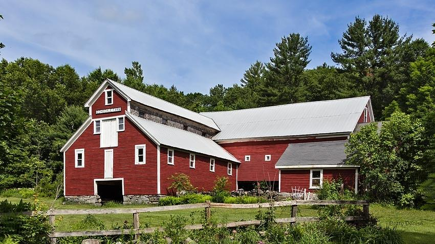 Echodale Farm Monitor Style Pole Barn Photograph By Betty