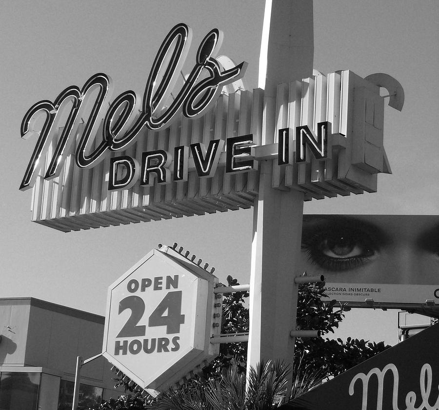 Mel's Photograph - eye love Mels by WaLdEmAr BoRrErO