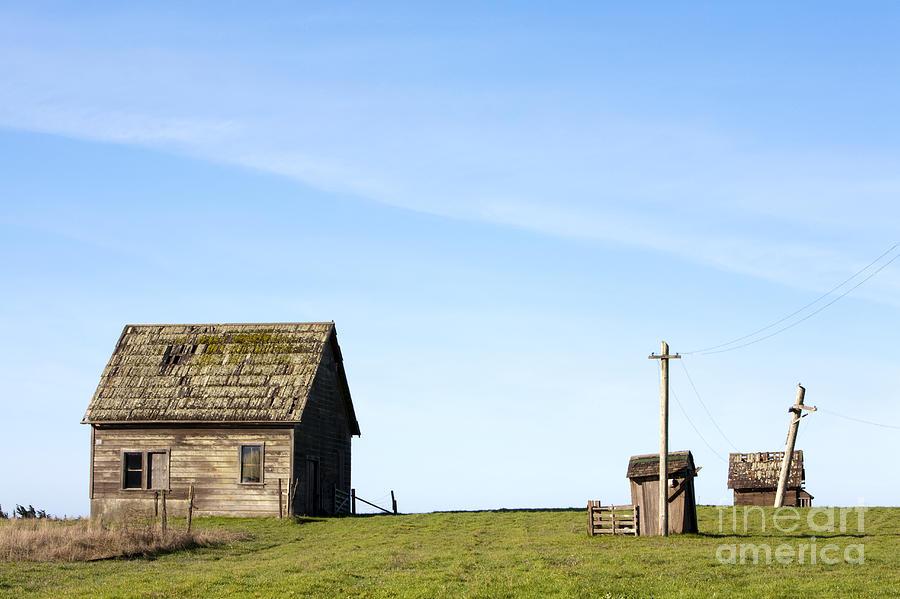 Abandoned Photograph - Farm House, Mendoncino, California by Paul Edmondson