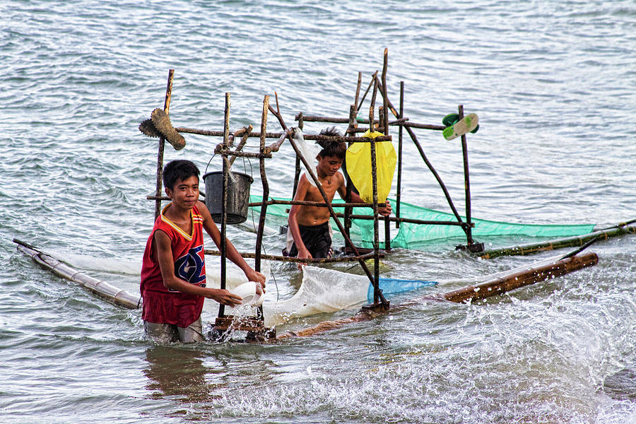 Philippines Photograph - Filipino Fishing by James BO  Insogna